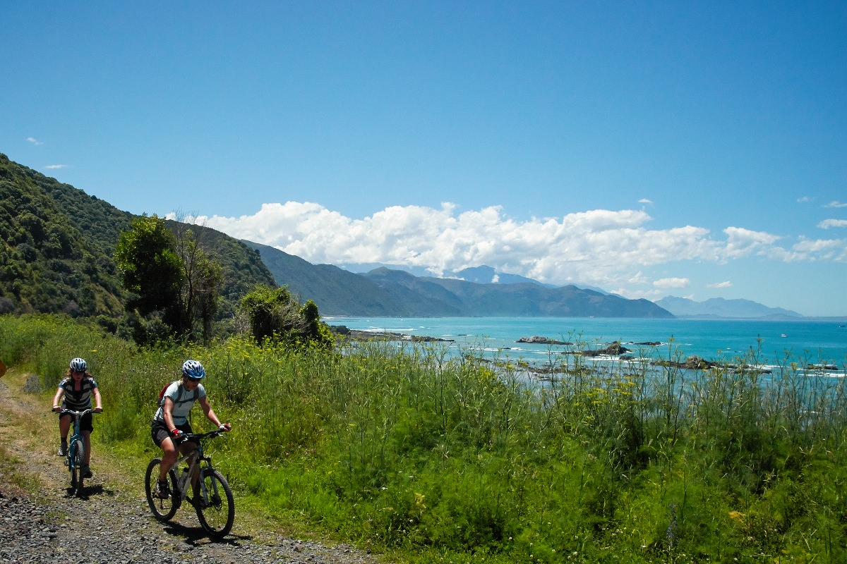 Haumuri Bluffs cycling at Kaikoura